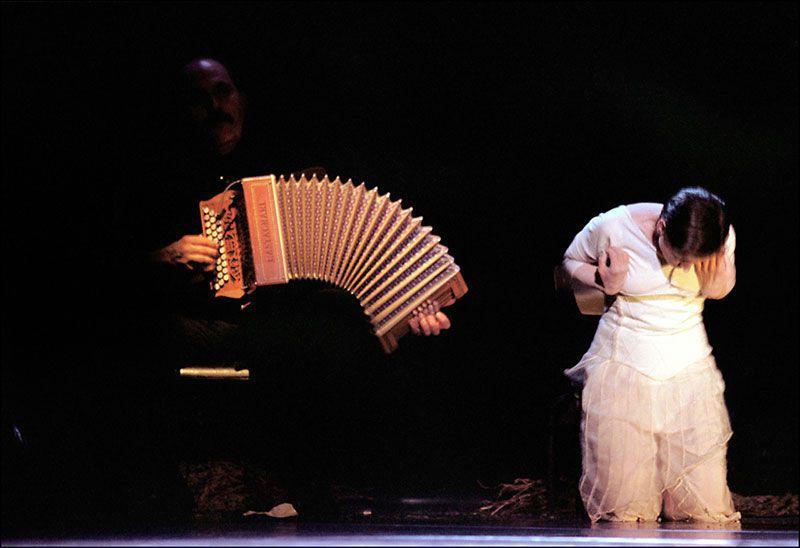 Marc  Perrone avec la danseuse Hélène Garbaye
